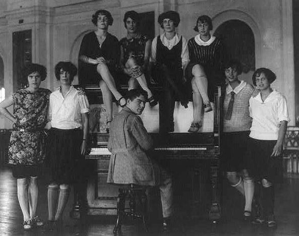 Flappers, 1923